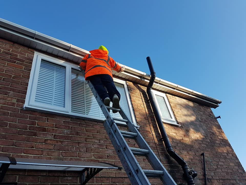 Gutter Cleaning Washington
